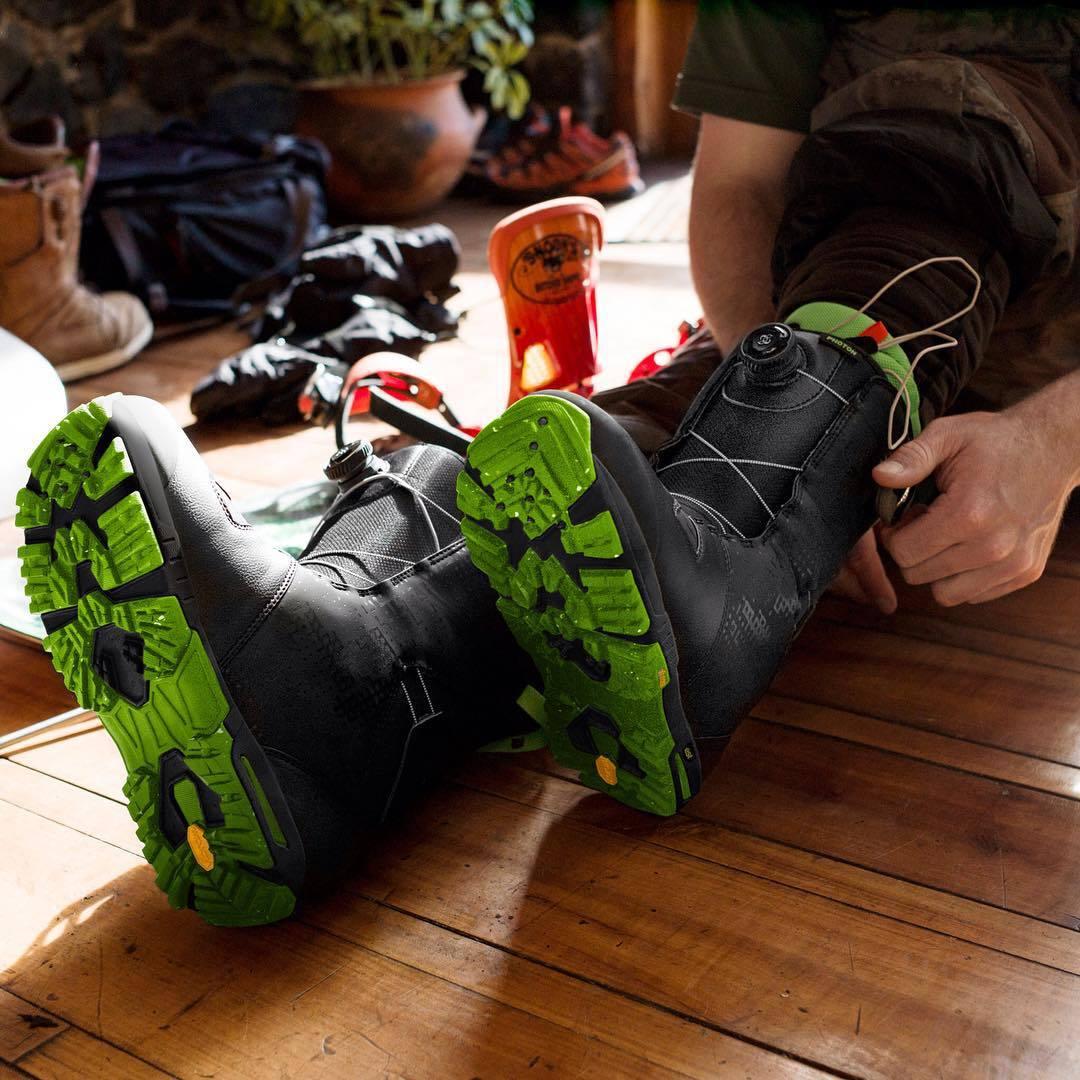 Perfekcyjne dopasowanie i podeszwy Vibram – buty snowboardowe Burton