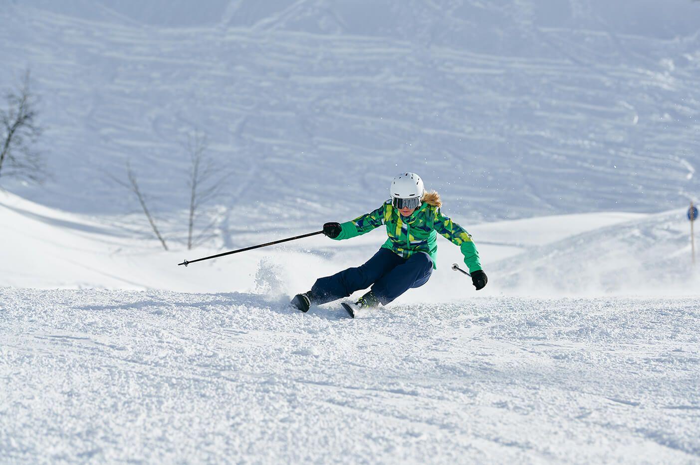 Damskie spodnie narciarskie – propozycje na tegoroczny sezon