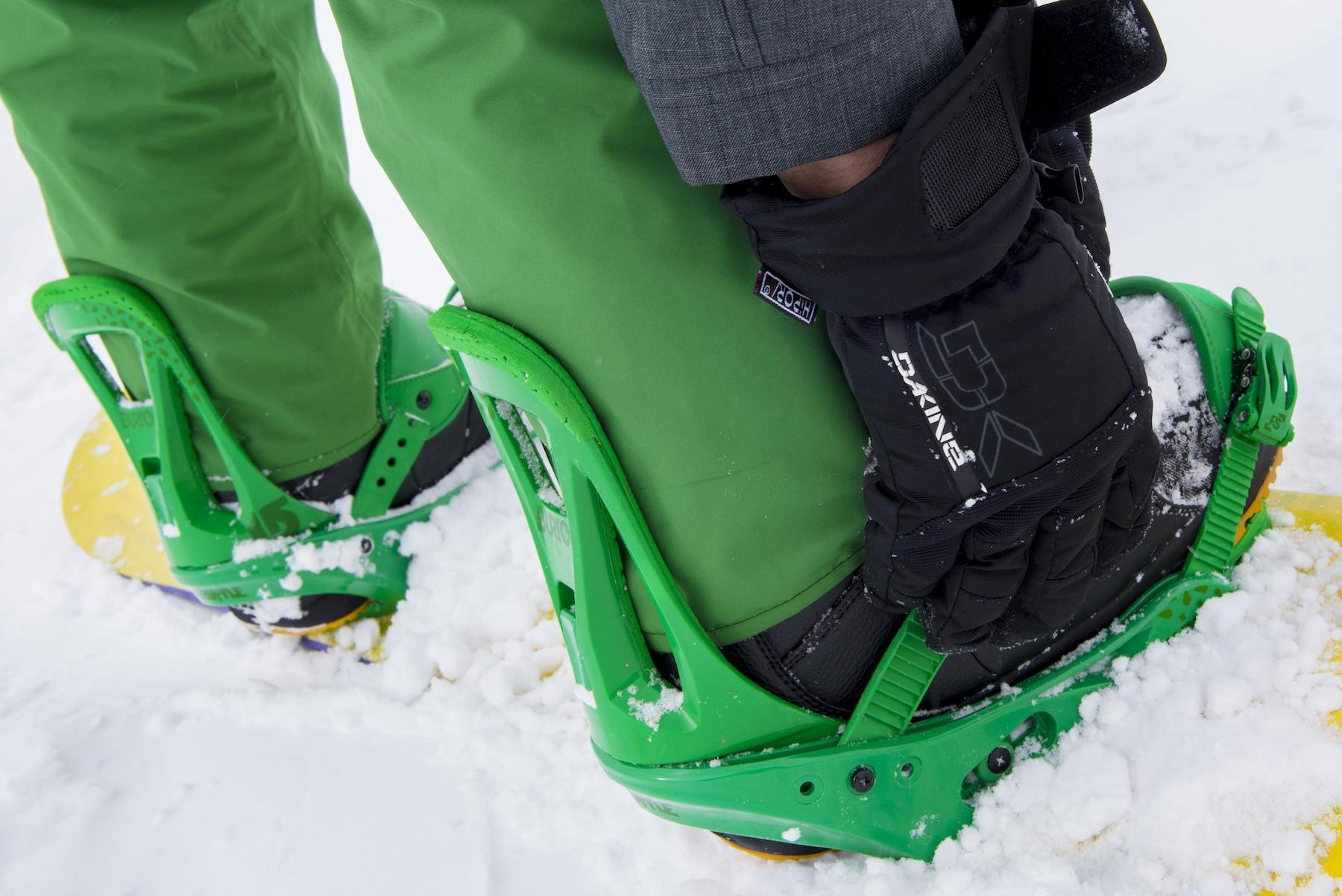 W jaki sposób powinieneś dobrać wiązania snowboardowe?