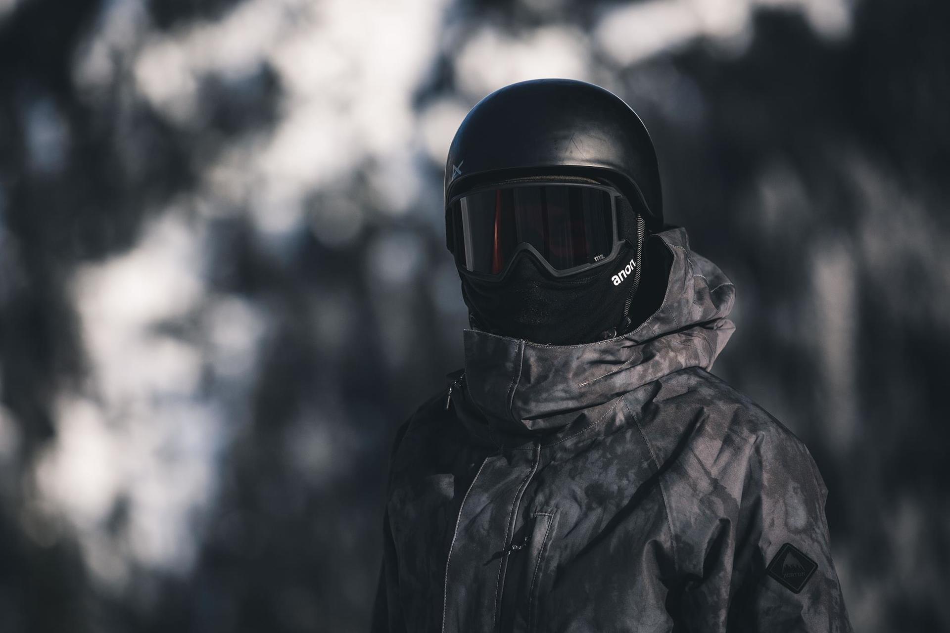 Kominiarki snowboardowe i narciarskie - dlaczego warto je mieć?