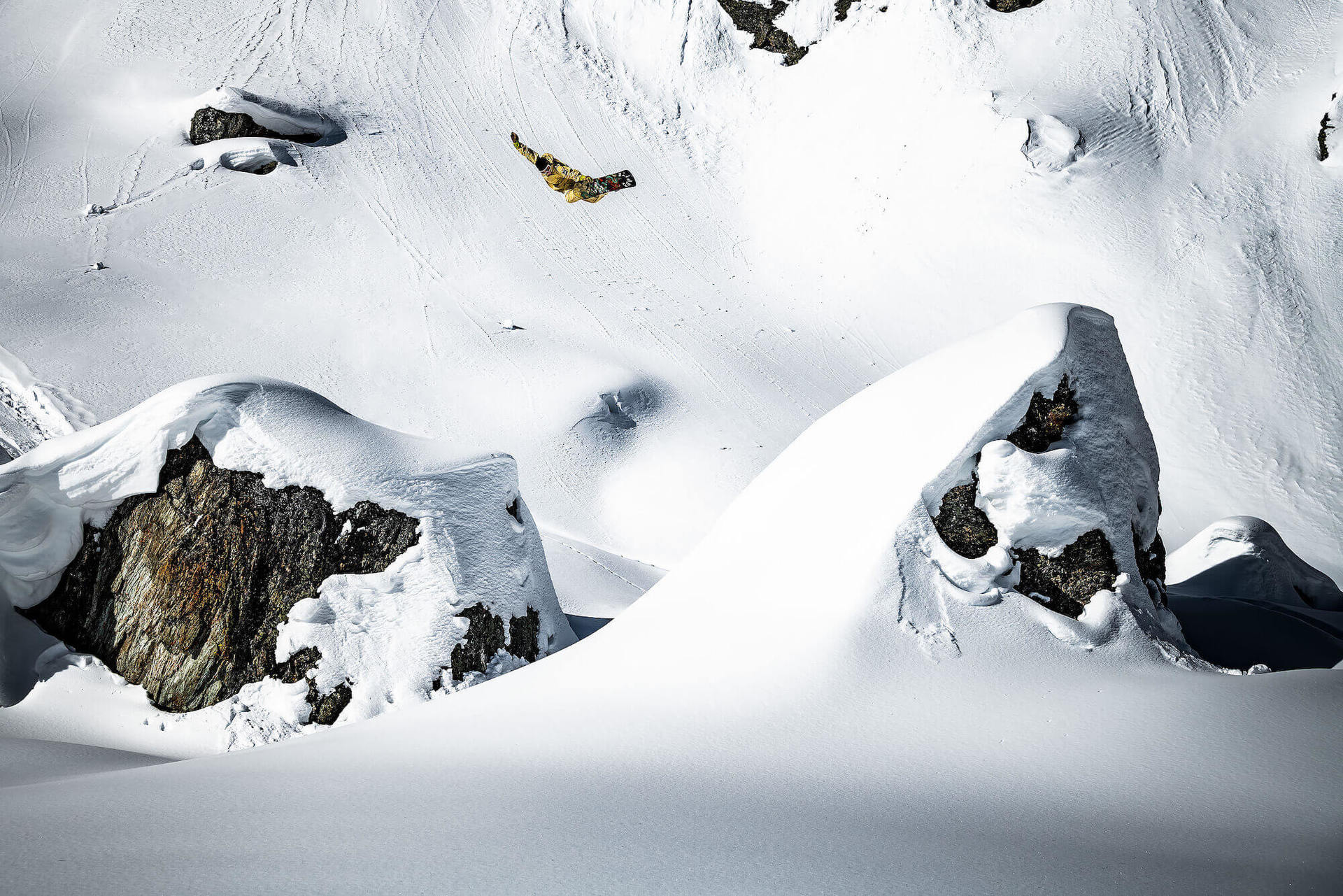 Co zawiera kompletny niezbędnik snowboardzisty?