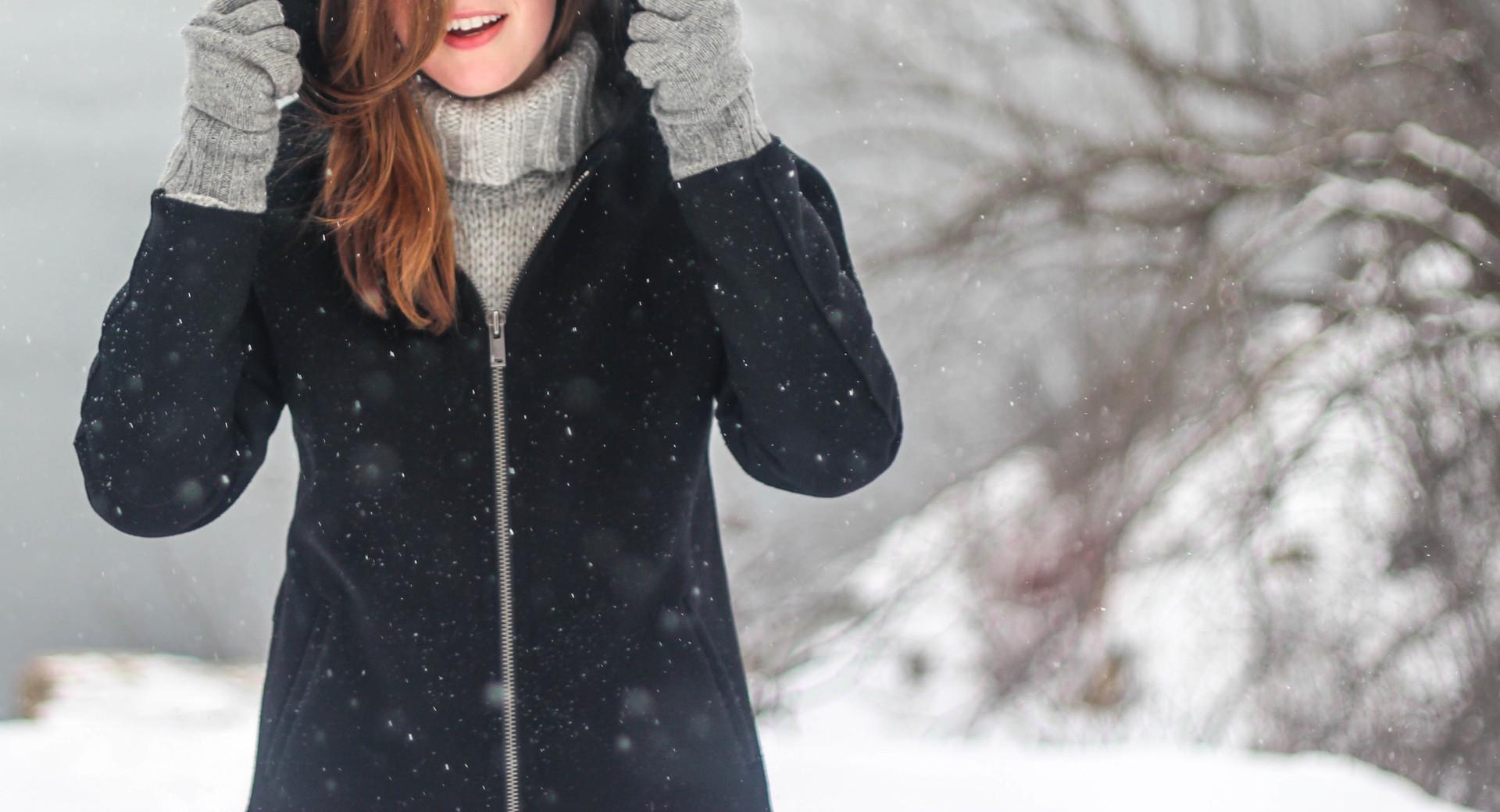 Zabezpiecz się przed mrozami – najciekawsze propozycje odzieży do sportów zimowych