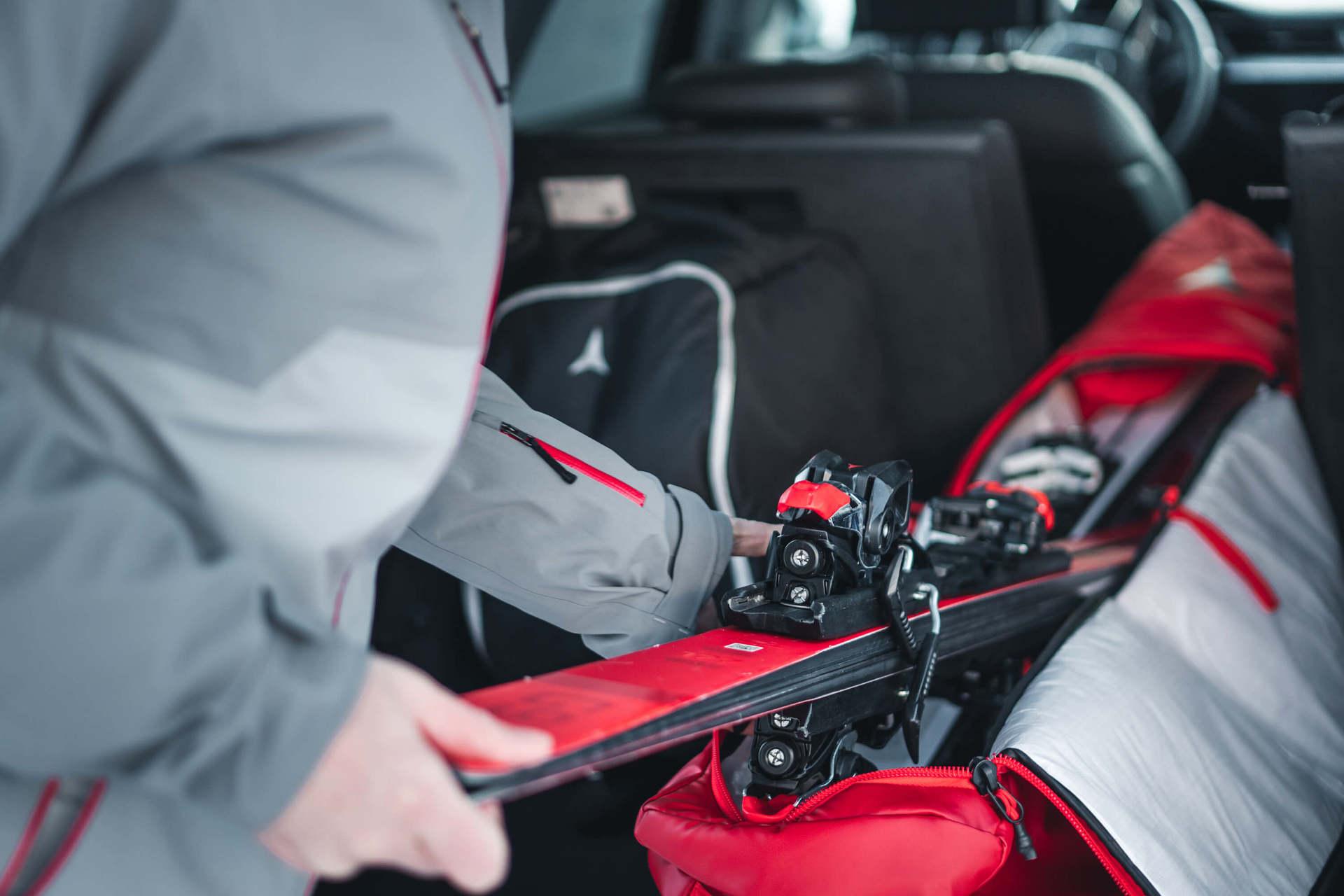 Trwały pokrowiec na narty - jak przedłużyć żywotność swojego sprzętu?