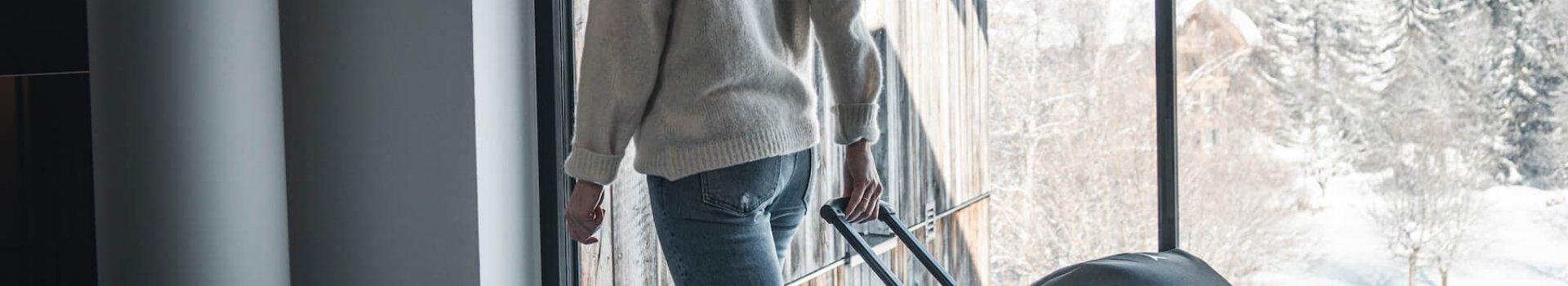 Dlaczego warto zainwestować w bluzę narciarską?