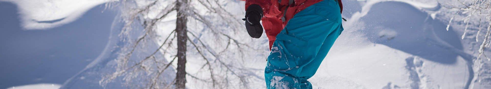 Kurtki snowboardowe – kompromis między wygodą a bezpieczeństwem