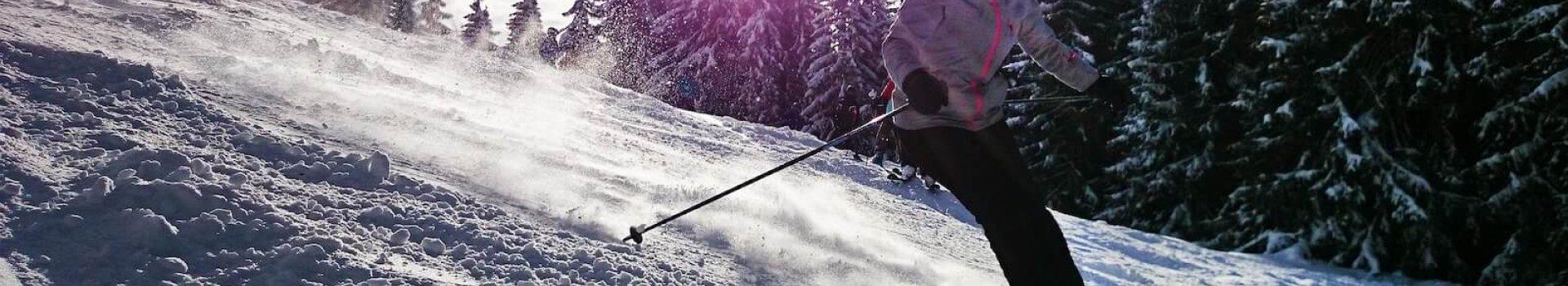 Dlaczego warto zainwestować w polar na narty?