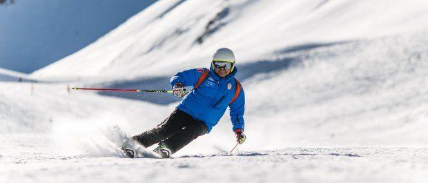 Niezbędnik sportów zimowych: softshell na narty