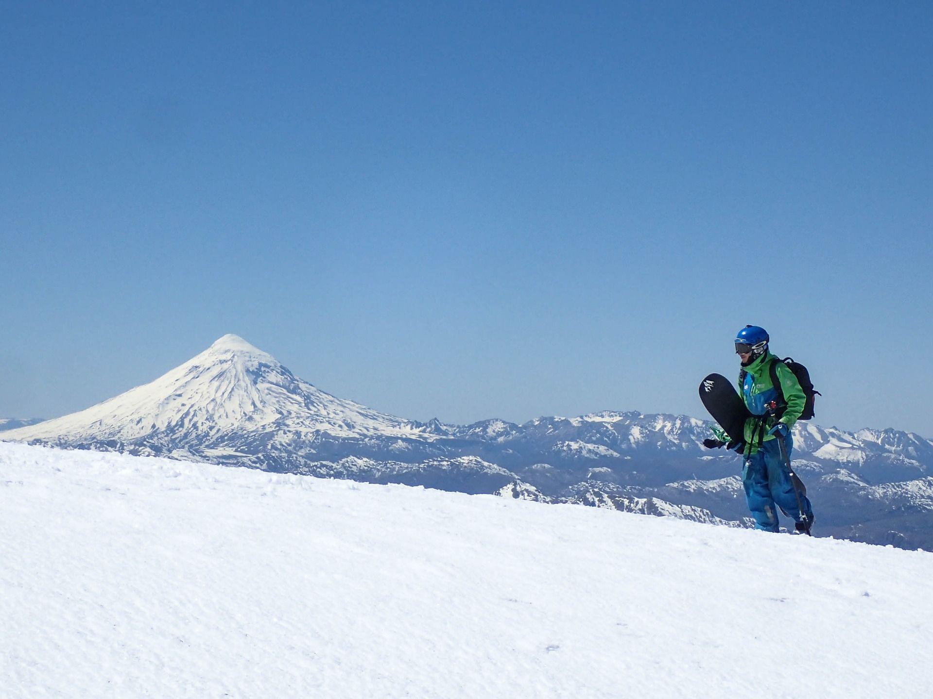 Snowboard freeride czy freestyle? Omawiamy najważniejsze różnice